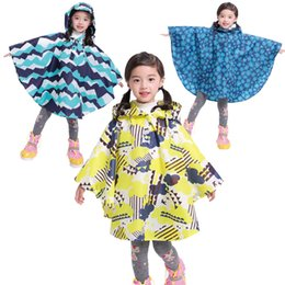 high quality kids fashion waterproof polyester reusable wholesale raincoats poncho in pocket various colors for raining day on Sale