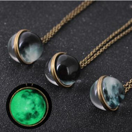 $enCountryForm.capitalKeyWord NZ - Dual Side Gemstone Glow in the Dark Necklace Glass Cabochon Universe Moon Necklaces Ball Pendant Chains Fashion jewelry 3 Colors