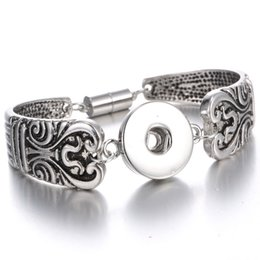 Wholesale Hot Sale Silver Snap Bracelet Bangle Flower Carved Magnetic Snap Button Bracelet for Women Men Fit mm Buttons Jewelry