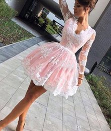 $enCountryForm.capitalKeyWord Australia - Pink And White Lace Ball Gown Homecoming Dresses Long Sleeves Deep V Neck Short Cocktail Prom Partyt Evening Dresses SH014