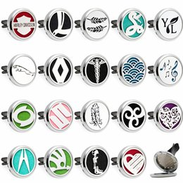 Boy star logo online shopping - 19 options mm Car locket clips Essential Oil Perfume Locket Car logos Car diffuser Vent Clip Free Pads