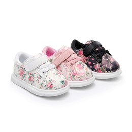 Cute Baby Shoes For Girls Soft Mocassini Shoe 2018 Autumn pink Flower bambini Sneakers Toddler Boy Neonati primi camminatori
