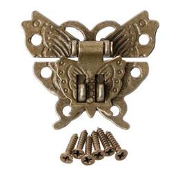 Venta al por mayor de Mariposa Cerrojo de cerrojo de bronce antiguo Caja de madera Mini armario Hebilla de bloqueo de 45x37mm