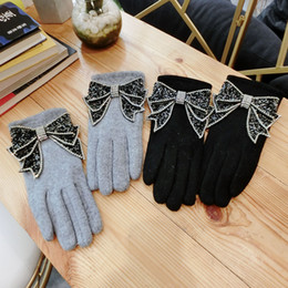 $enCountryForm.capitalKeyWord Australia - Korean Big Bright Bowknot Lady Cashmere Mitten Black Gray Winter Women Gloves Five Finger Touch Gloves Warm Female AGL290