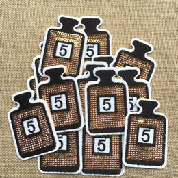 $enCountryForm.capitalKeyWord NZ - Free Shipping~Cheap Cute Sequin LOGO fashion Iron On Embroidered Patch Appliques DIY bag clothing patches Applique Badges