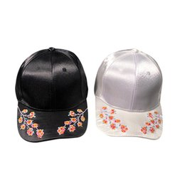 c5554ef34dd 2018 High Quality Crystal Adult Women Sport Classic Sports Outdoor Baseball  Hat Casquette Peak Cap Gifts For Dropshipping