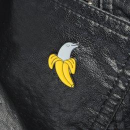 Банан Дельфин Эмаль булавки Отворот булавки Броши Значки Рюкзак Сумка Шапки Аксессуары Для мужчин и женщин Прикольные украшения Ювелирные изделия с дельфинами на Распродаже