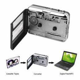 Cassette-To-MP3 Retro Lecteur de cassette USB Portable Tape Deck Capture Audio MP3 via USB Comprend un casque et un logiciel en Solde