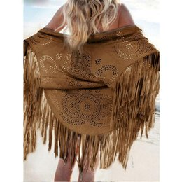 Barato Casaco Longo Das Mulheres Finas Do Verão-Atacado- Mulheres Casual Tippet Faux Suede Leather Cut Out Summer Beach Cover Up Quimono Long Fringes Tassels Thin Coat Cardigan Jacket C146