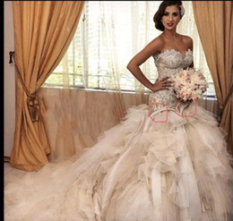 Chinese  2019 Ruffles Tulle Tiered Skirts Sweetheart Neckline Wedding Dresses Appliqued Pearl Beaded Chapel Train Wedding Gown Bridal Dress BA9623 manufacturers