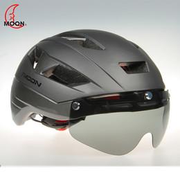 $enCountryForm.capitalKeyWord NZ - MOON Men's Cycling Helmet Ultralight Bike Helmet Black Visor Mountain Road Bicycle with Lenes For Mountain Bike