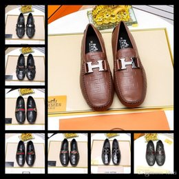 Fashionable Flat Shoes Laces NZ - Hot! High leisure suit shoes, luxury brand fashionable red and blue metal button stripe grinding sand flat shoes size 38-45
