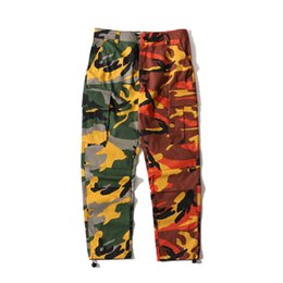брюки мужские бегуны оптовых-Cotton Camo Patchwork Cargo Pants Men s Hip Hop Casual Camouflage Trousers Multi Pockets Pant Streetwear Joggers Sweatpants