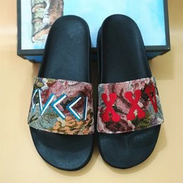 Wholesale the latest designer brand stylist for women s slippers fashion week s anti slip and wear resistant base size yards