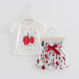 Strawberry Baby Girls Clothing Canada - 2018 Summer newborn baby clothing sets strawberries print kids T-shirt+bow pants baby girls clothes 2pcs set 0-2T