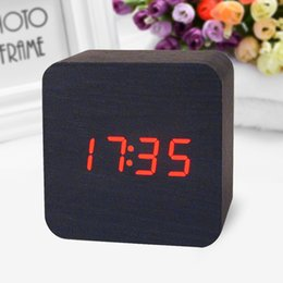 Wholesale Wooden Led Digital Alarm Clock Voice Activated Date And Time Temperature Alternate Display Beautiful Home Decoration Products