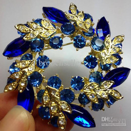 Gold Blue Flower Brooches Canada - Gold Tone Royal Blue Rhinestone Crystal Diamante Wreath Flower Party Diamante Brooch Pin