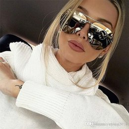 acf7cd64d6839 2018 Fashion dazzle colour sunglasses High quality men and women sunglasses  Uv protection sunglasses unisex glasses wholesale