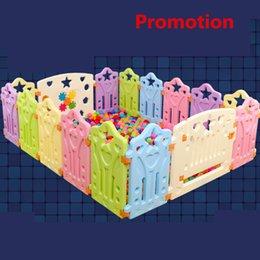 2018 Nuovo Cercadinho Scherma Per Bambini 12 + 2 pz Bambino Gioco Recinzione Colore Completo Senza Profumo Di Buona Qualità Toddler Playpaen Toy Garden