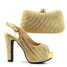 $enCountryForm.capitalKeyWord Canada - New Gold Color Italian Design Shoes and Bag To Matching African Shoes and Bag Set For Party Nigerian Women Fashion Shoes and Bag
