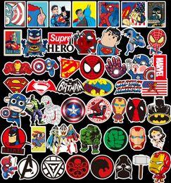 Ingrosso 50 Pz / lotto Marvel Anime Classic Adesivi Giocattolo Per Il Computer Portatile di Skateboard Bagaglio Decal Decor Divertente Iron Man Spiderman Adesivi Per I Bambini Autoadesivo dell'automobile