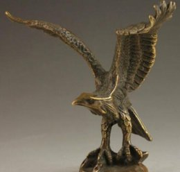 $enCountryForm.capitalKeyWord Australia - +Chinese Collectable Handmade Old Carving Vivid Bronze Statue Eagle