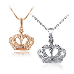 wholesale gold crown pendants NZ - ROXI Brand New Gift Classic Crown Pendant Necklace Rose Gold Platinum Plated Fashion Women Crystal Wedding Christmas Jewelry