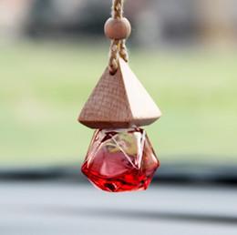 Ambientador de aire Colgante para coche Difusor de cristal vacío Perfume Botella de perfume Regalo colgar coche decoración Forma de diamante Gorra de madera KKA4541