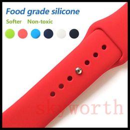Ingrosso Cinturino sportivo in silicone per Apple Watch 4 3 2 1 cinturino da polso con adattatori Accessori 40mm 44mm 42mm 38mm