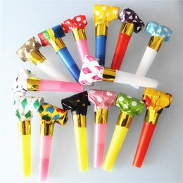 Color plastiC paper online shopping - Creative Trumpet Cheer Whistle Plastic Paper Children Birthday Party Kids Gifts Whistles Favors Supplies With Multi Color qq jj