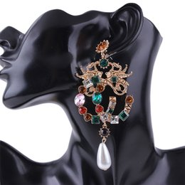 Großhandel Frauen Ohrringe - Bunte künstliche Edelstein-Legierungs-Schmuck-Frauen-Ohrringe - Edelstein-Aussage-Ohrringe