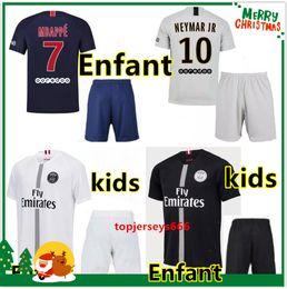 2018 2019 Paris kids kit soccer Jerseys 18 19 psg mbappe VERRATTI CAVANI DI  MARIA MAILLOT DE FOOT child survetement psg SHIRT 94aa6b483