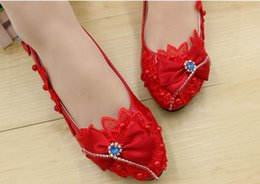 $enCountryForm.capitalKeyWord Canada - Spring and summer bride red lace dress features handmade wedding wedding shoes high-heeled shoes with low heels