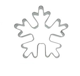 cutter snowflakes UK - 50pc Christmas Winter Snowflake theme metal cookie cutters fondant cake decorating tools cupcake topper pastry bread biscuit mold