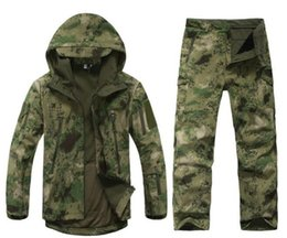 Chinese  Camouflage hunting clothing Shark skin soft shell lurker tad v 4.0 outdoor tactical military fleece jacket + uniform pants suits manufacturers