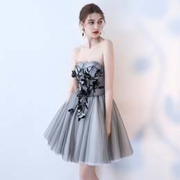Chinese  2018 Popular High Quality Strapless Sleeveless Fashion Designer Elegant Gray Cocktail Gowns Flower Cocktail Dress Gown manufacturers