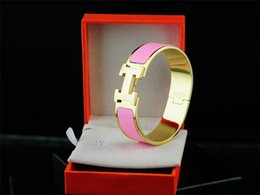 Metal Love Letters Australia - Top Quality Celebrity Design Letter Metal Buckle Silver Bracelet Fashion Metal Clover Cuff Bracelets Gold Jewelry With Box