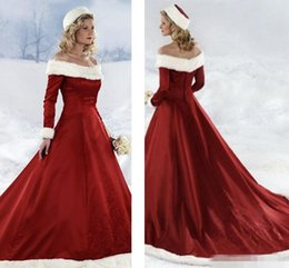 2017 Winter Wedding Dresses Vintage Off Shoulder Embroideries Long Sleeves  Red Bridal Gowns Court Train Fall Winter Christmas Wedding Dress 346ab0bd2eba