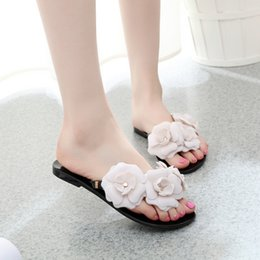 c3e6f28af57a73 2018 Summer New Camellia Slippers Women Crystal Flower Flip-Flops Sandals  Flat Jelly Shoes Sandals