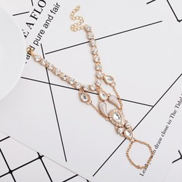 $enCountryForm.capitalKeyWord Australia - 2017 New Design High Quality Fashion Glitter Rhinestone Hand Bracelet Slave Chain Link Finger Ring Gold Hot Jewelry
