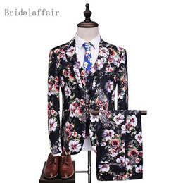 China 3 Pec Fashion Suit Men 2018 Luxury Brand Wedding Suits for Men High Quality Slim Tuxedo Flowers Print Male Suits Prom Stage Wear cheap flowers men wear weddings suppliers