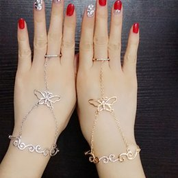Chain Linked Rings NZ - Crystal Butterfly Slave Chain Link Finger Ring Hand Harness Gold Silver