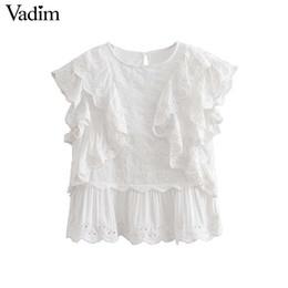 c4546b52f Vadim volantes dulces Ojal bordado blusa sin mangas O cuello camisas  plisadas verano damas casual tops blancos blusas WA108