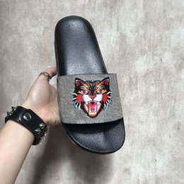 Heels Design Canada - Brand Luxury Slippers Men Women Slippers Tiger Cat Design Summer Huaraches slippers flip New Collection
