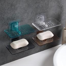 4 colori scatola di sapone trasparente utensili da cucina accessori per il bagno di plastica piatti di sapone titolare di aspirazione cestino di immagazzinaggio scatola di sapone CCA10613 100 pz in Offerta