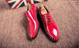 Style Wedding Dresses For Men Canada - 2018 New Style designer wedding shoes man patent rivet black oxford shoes for men formal mariage mens pointed toe dress shoes N154