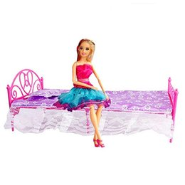 Toy Furniture Wholesale UK - Children's toy Random color Plastic Miniatures Bedroom Furniture Single Bed with pillow and Bed Sheet for Dolls Dollhouse