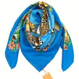 Chinese  New product spring and spring 100% pure silk printed leopard pattern 90 * 90CM woman silk scarf blue gray two colors hot sale manufacturers