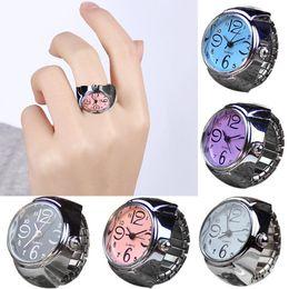 Quartz montres femmes montres Dial Dial Quartz Analogique Quartz Bague Montre Creative Steel Cool élastique élastique