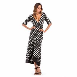 5e7f68f1cea Женщины платья сексуальное летнее платье Asymmtetrical V-образным вырезом  горошек сексуальный клуб Империя черный белый Леди платья LJY07-01